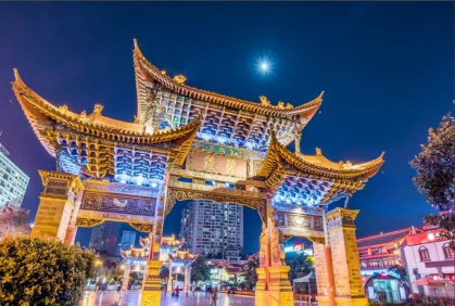 Days 1-2: Fly / Kunming - Begin your trip in the ancient and charming city of Kunming, also known as the 'City of Eternal Spring'. A modern city awash with ancient architecture, Kunming is the ideal place to get started in Yunnan.