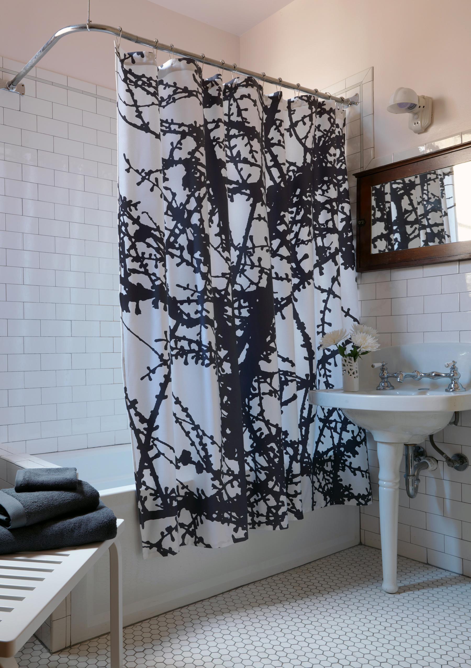 shower-curtain-larchresz.jpg