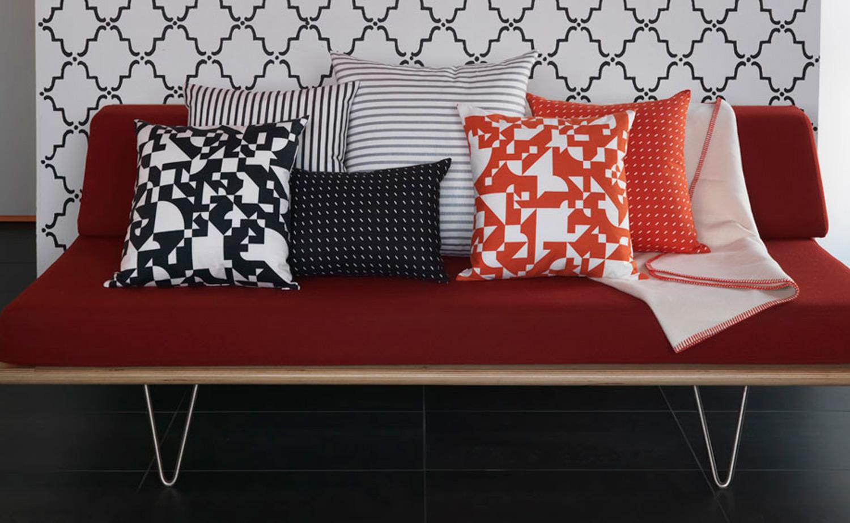 pillow_mix_red_sofa_1842_cropWEB.jpg