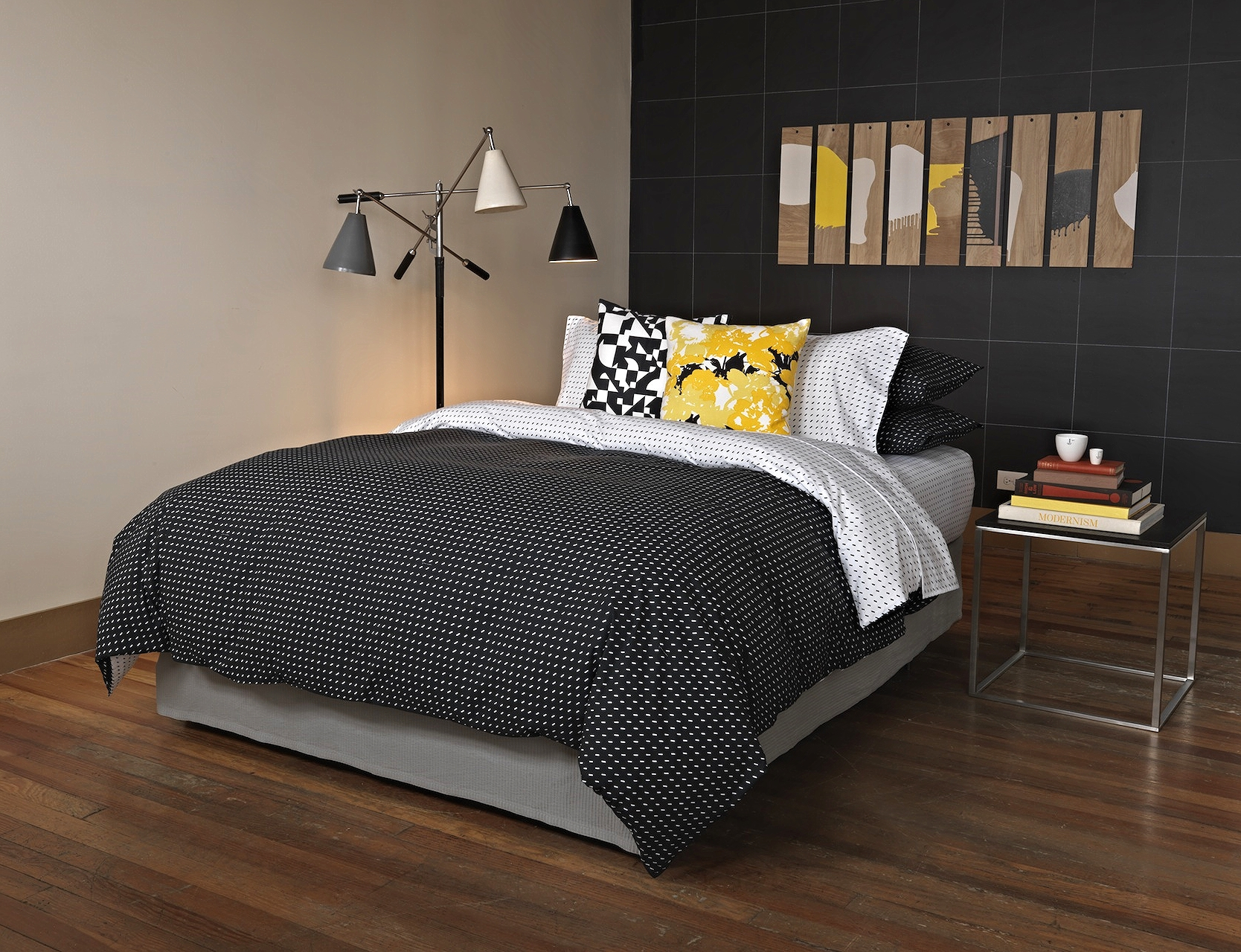 Stitch_BW_bedding_new.jpg