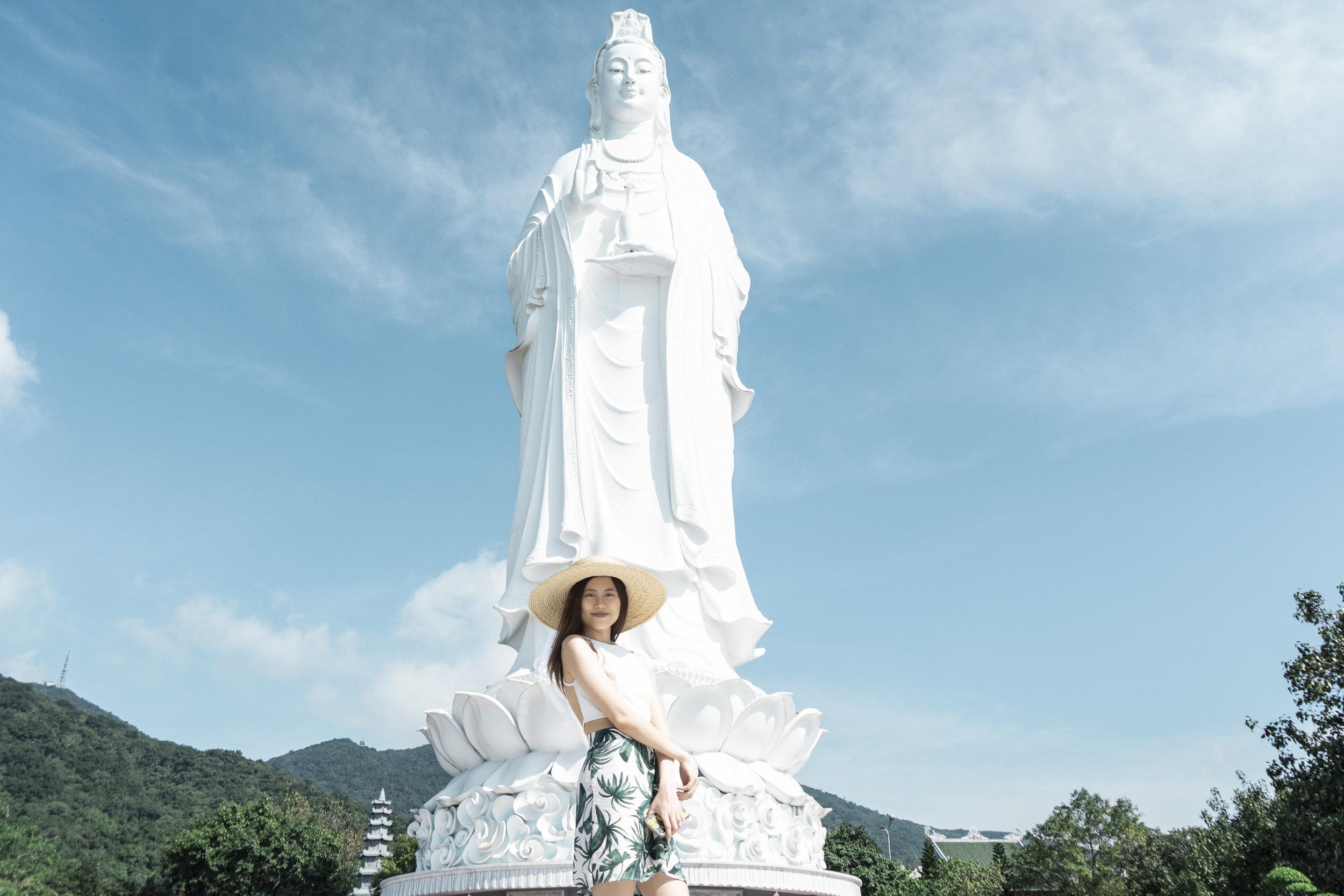 Linh Ứng Pagoda