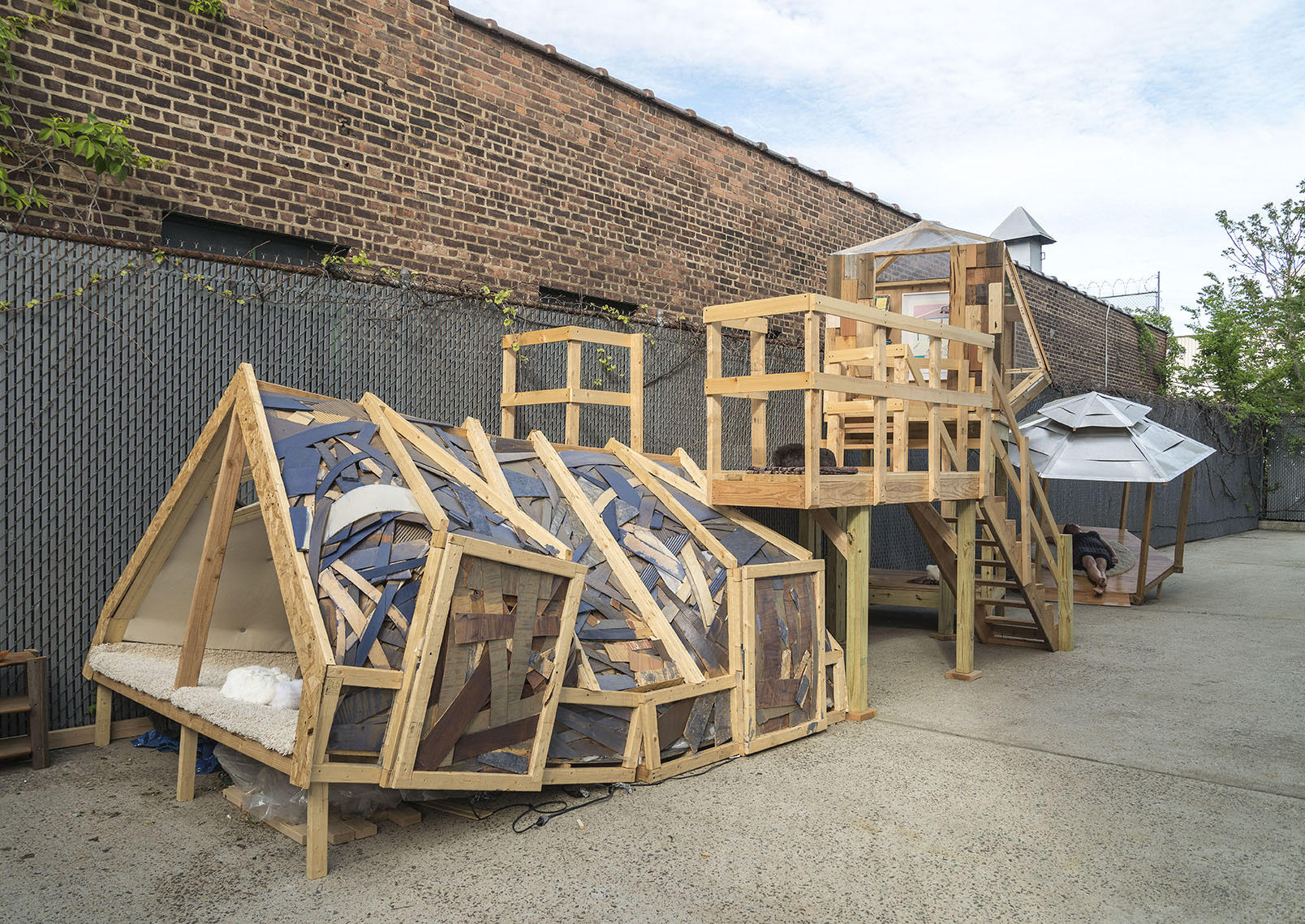 Angelica Teuta ©2015 , Emotional Architecture: Shelter . Outdoor structure, interactive sculpture. Courtesy of the artist.
