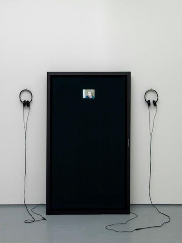 Lars Laumann © 2010 ,  Duett . Video for monitor (4 minute loop). Courtesy of the artist.
