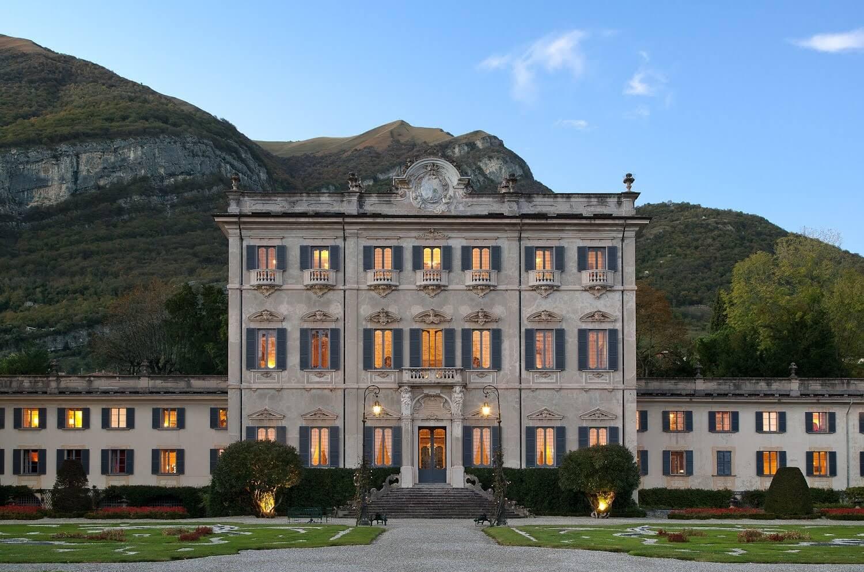 Photo by  @a_c_r_o_t_e_r_i_o_n  | Villa Sola Cabiati | Lake Como, Italy