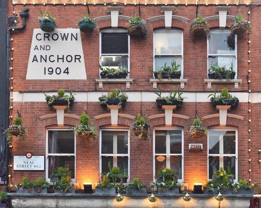 britton-perelman-london-beauty-13.jpg