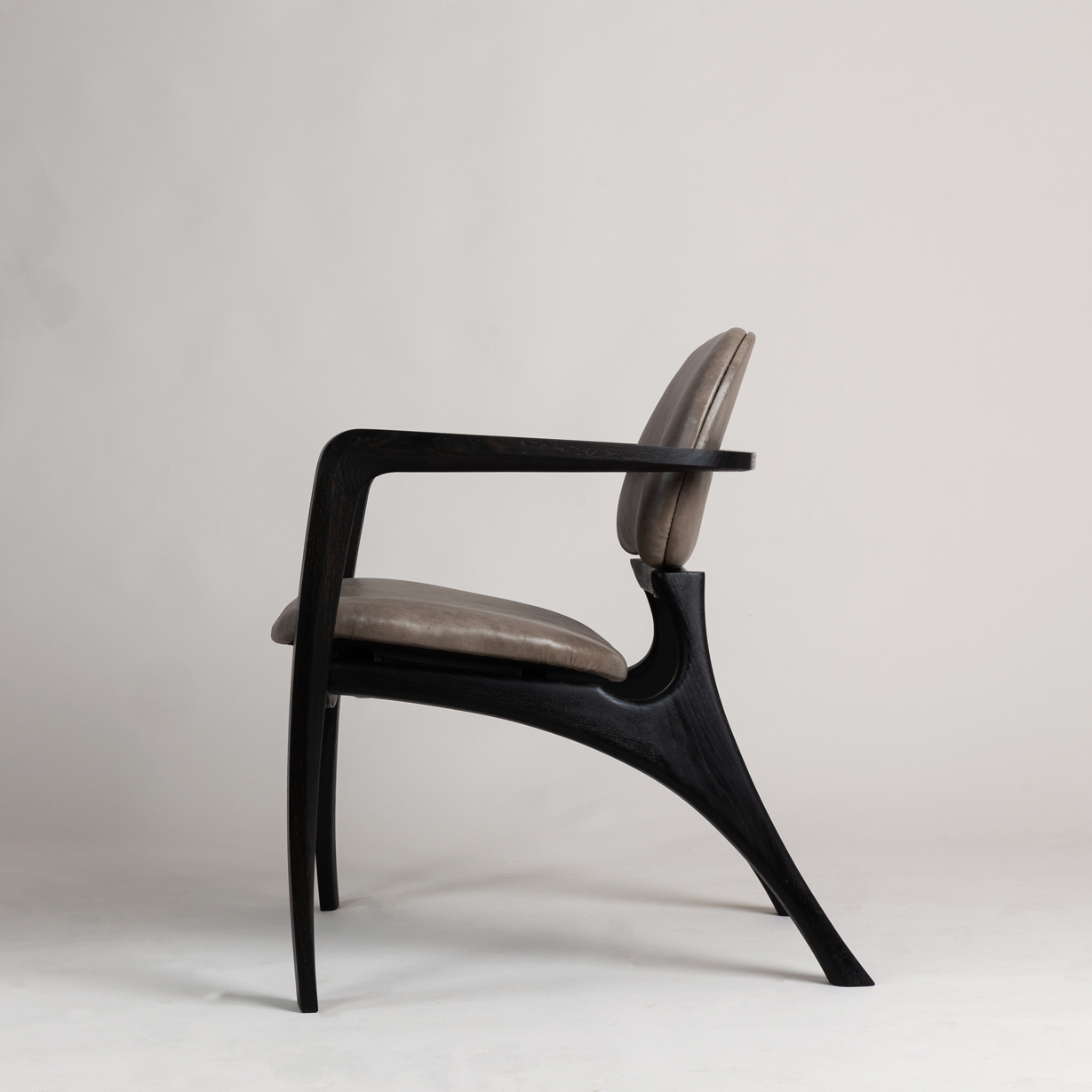 Amplex Chair by Alan Flannery Furniture Design L7.jpg