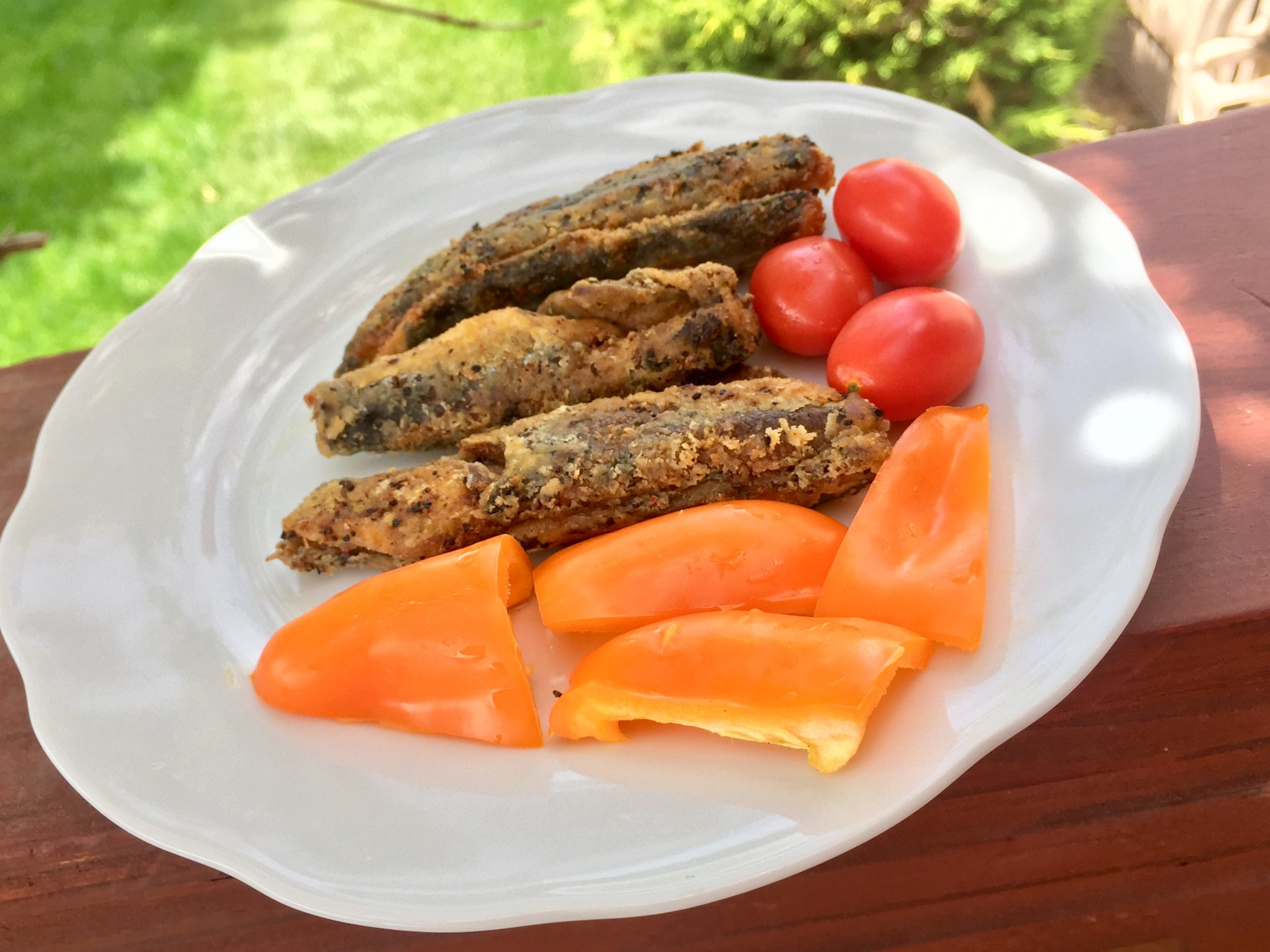 Paired with some veggies, this makes a nice crispy snack (The sardines are 20g protein, 8g fat, 1g carbs)