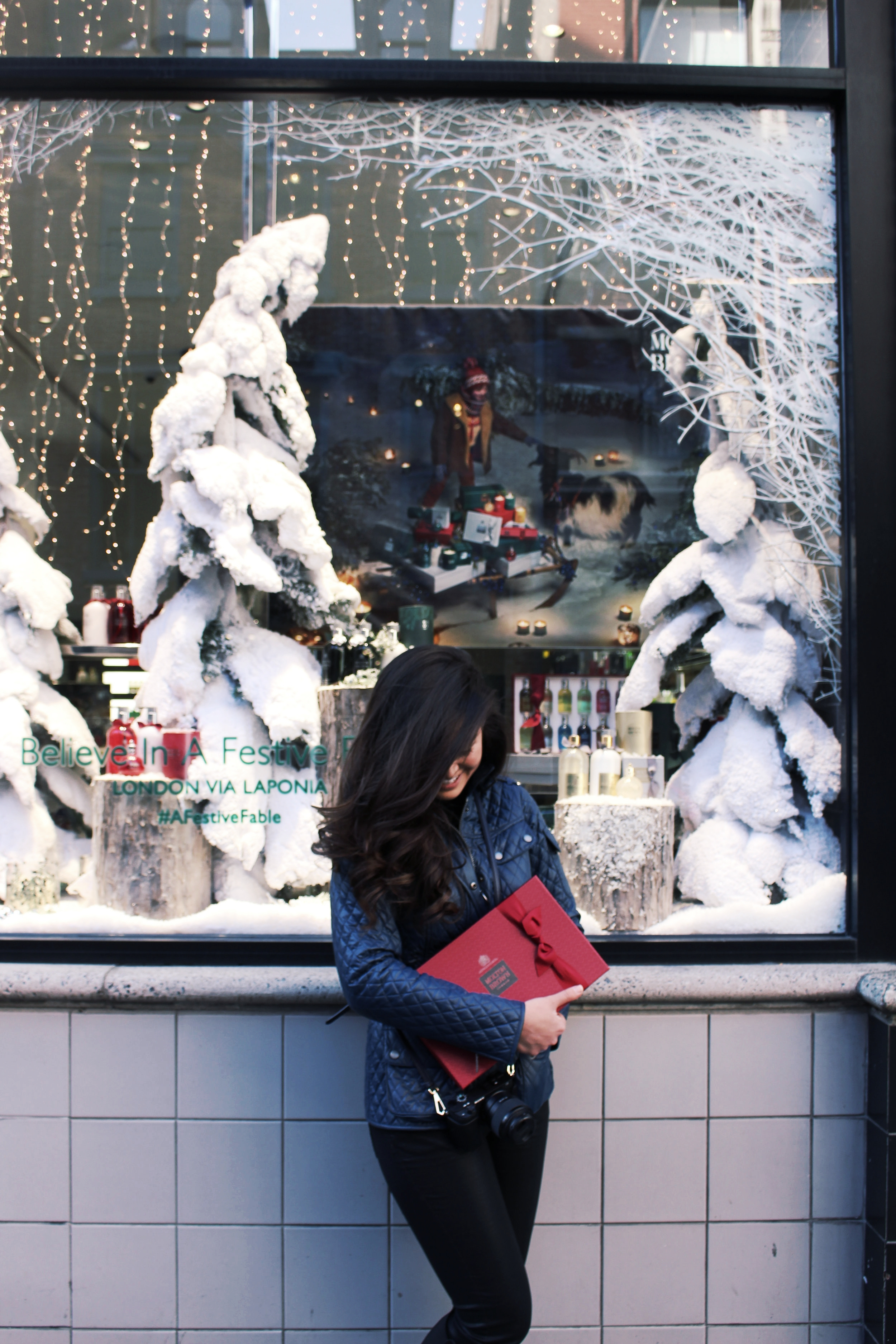 """12 Days of Christmas Gift Collection    """"Explore the world of Molton Brown and pamper your skin and senses with a new elegantly scented blend every day."""" -MB"""