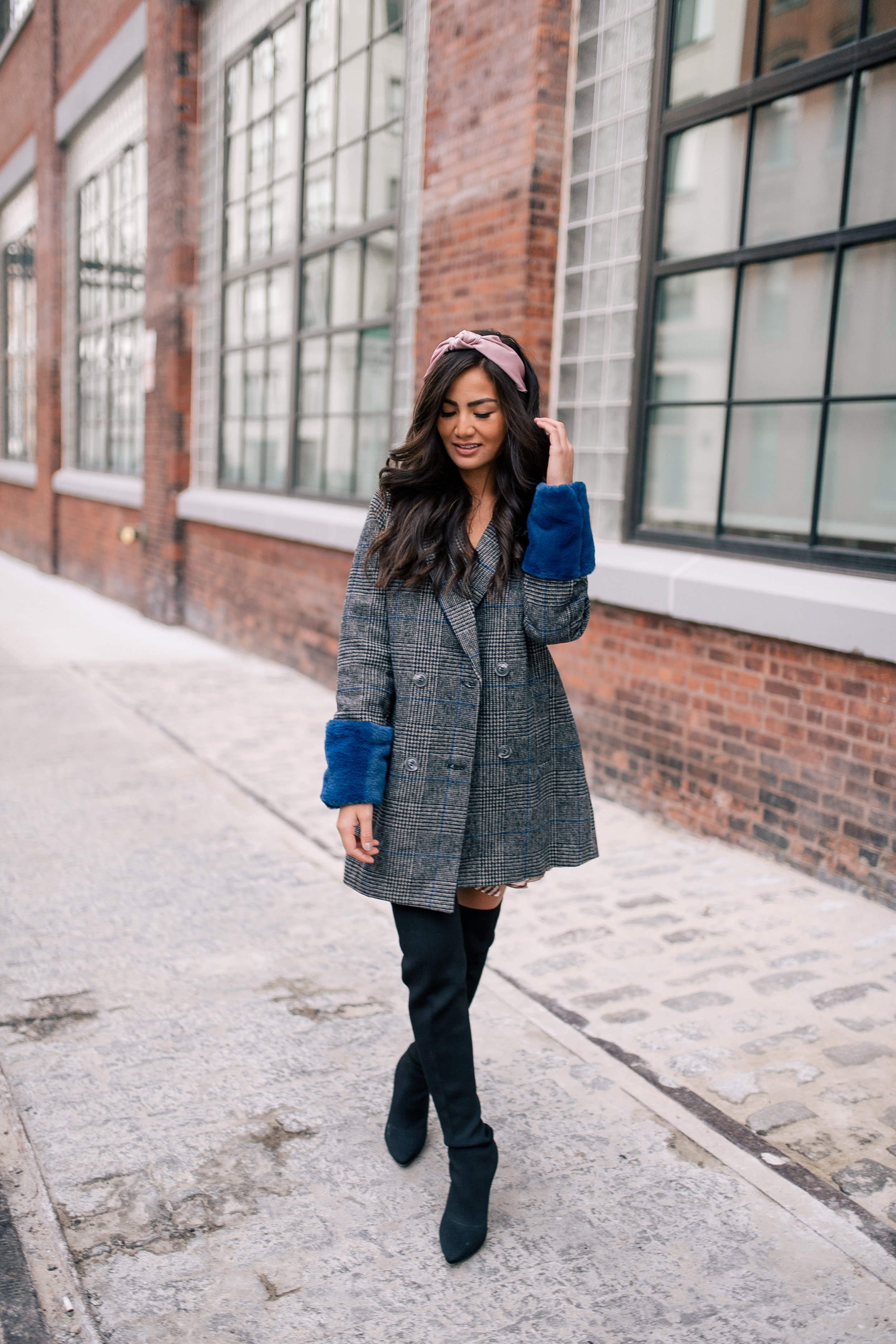 The Bachelor Halfie Caila Quinn Christmas Time Fashion Blogger for Stage Stores blue faux fur cuff boyfriend coat