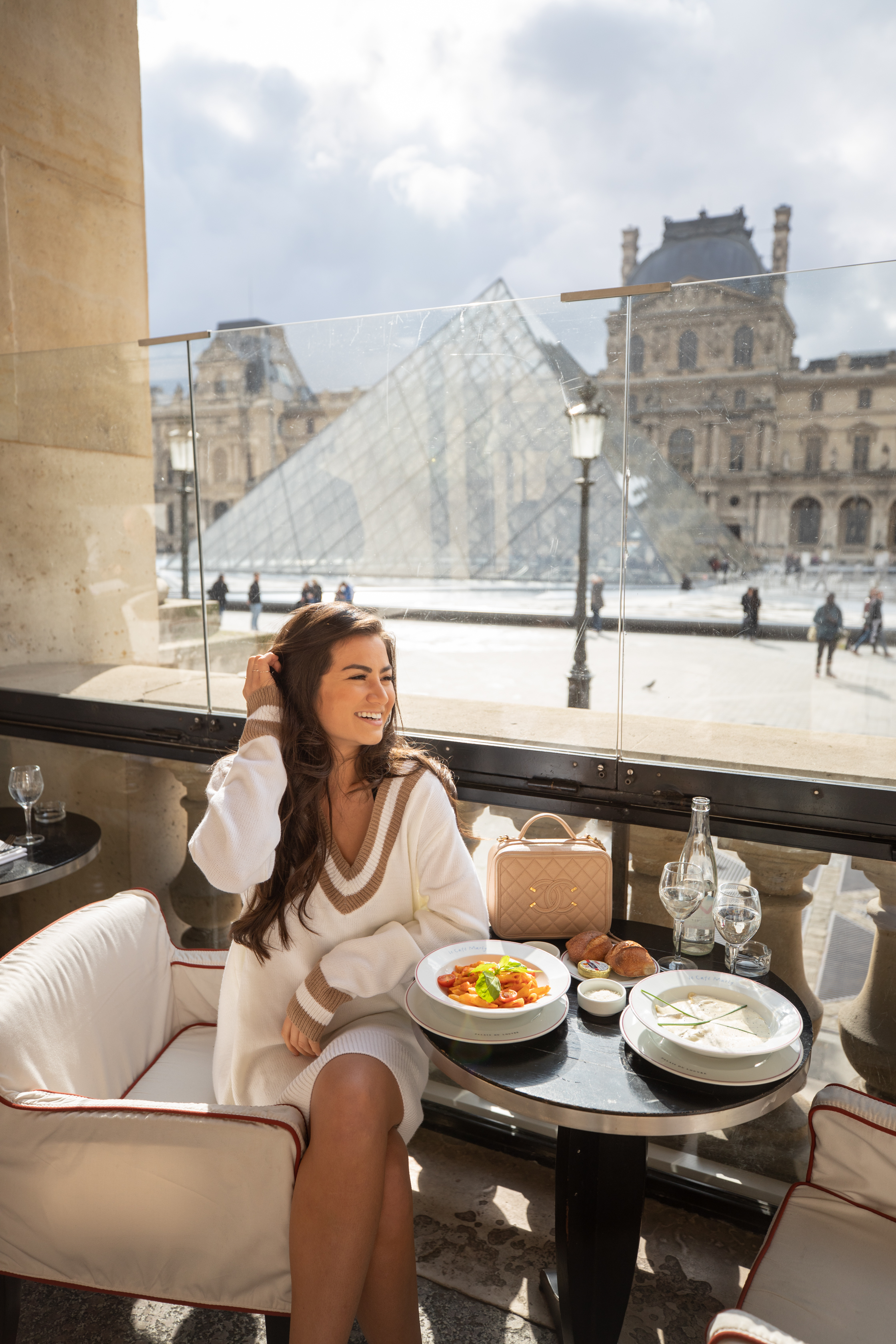 Caila Quinn The Bachelor Travel Blogger Paris Guide the Louvre Museum at sunrise
