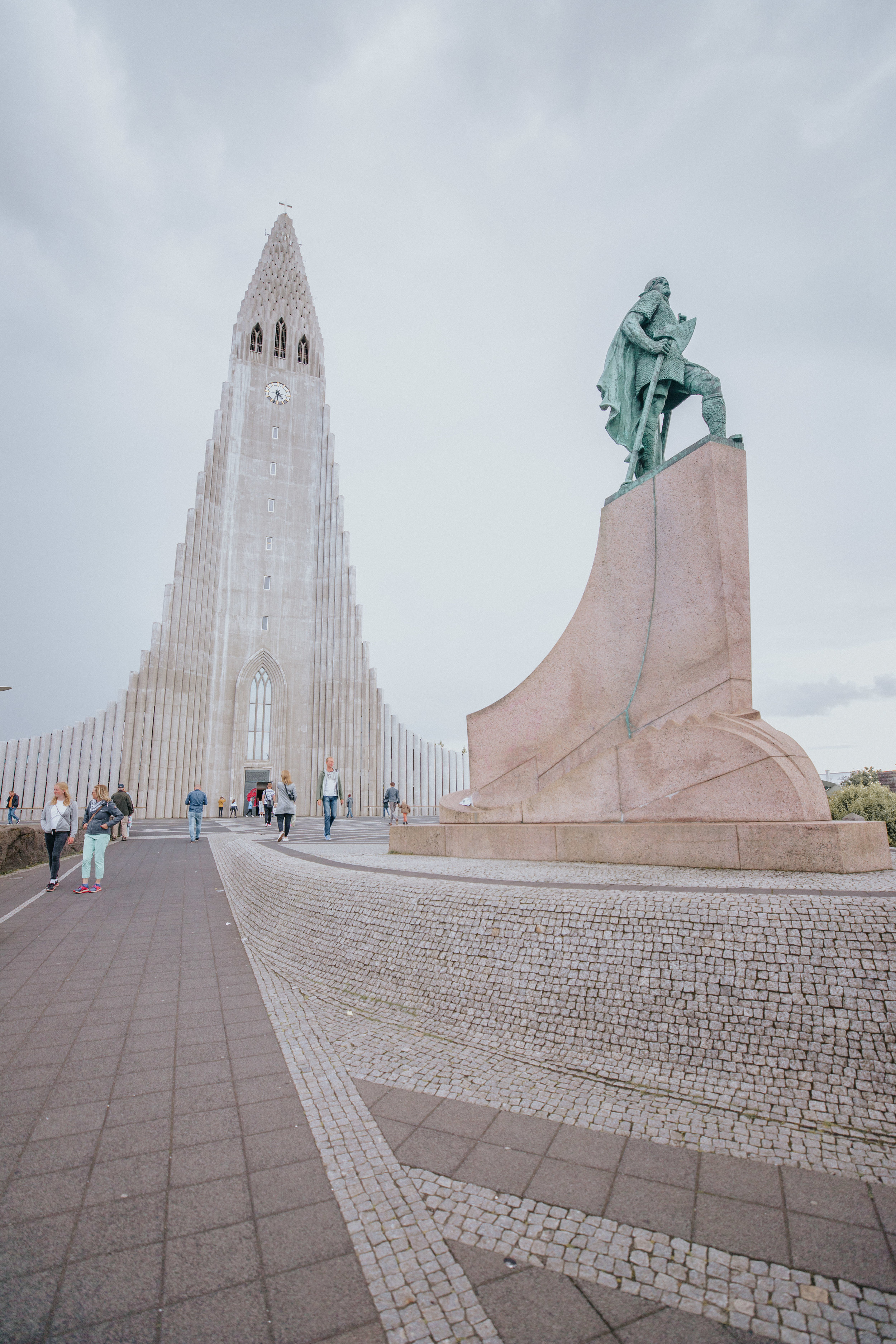 ⛪  Hallgrimskirkja Church  in Reykjavik, Iceland