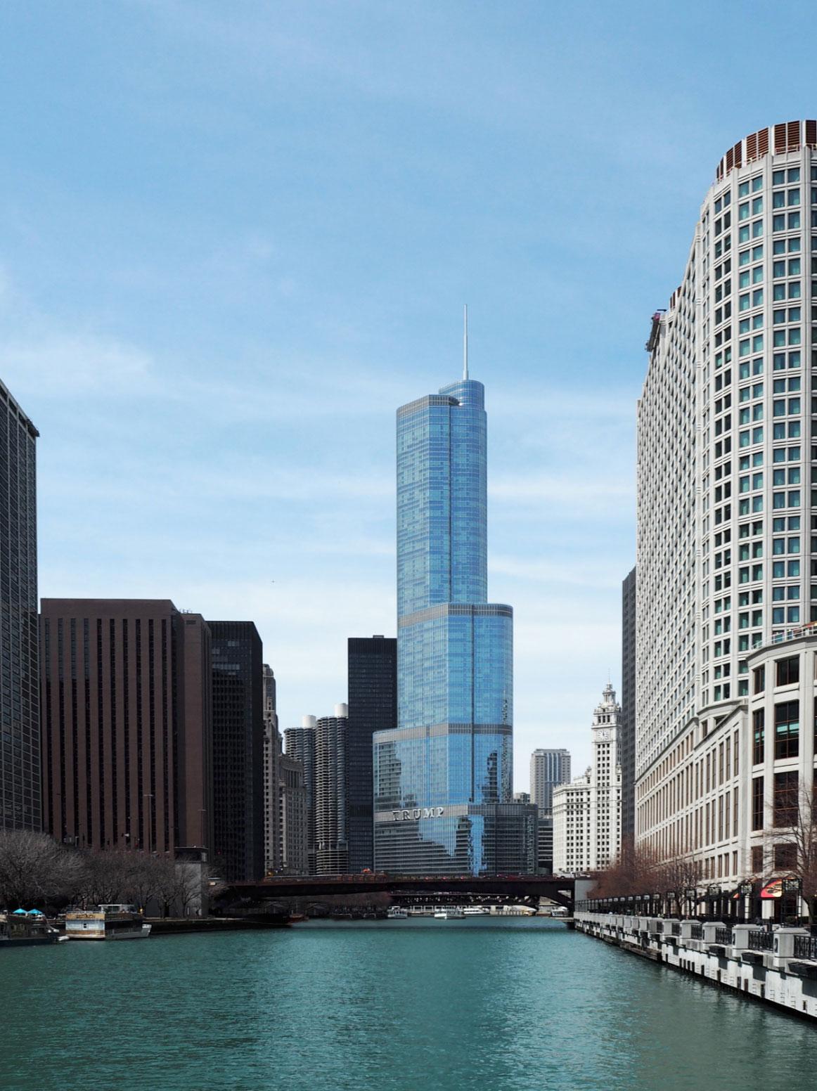 Chicago_River_01.jpg