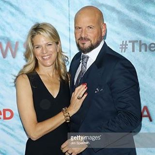 Weimaraner Republic Pictures' fearless leaders @mrsleshem and @protagonistpic at @shallowsmovie premiere! #wrpco #theshallowsmovie #june24 #feartheshallows #latergram