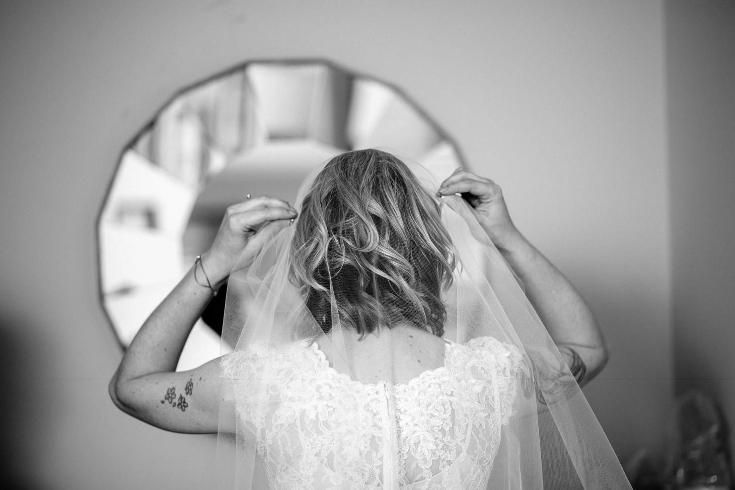 nyc-long-island-wedding-photographer-three-village-inn-smitten-chickens09.jpg