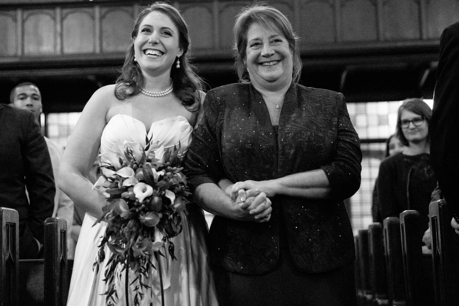 019-nyc-wedding-photographer-hoboken-waterfront-wedding-photos-smitten-chickens.jpg