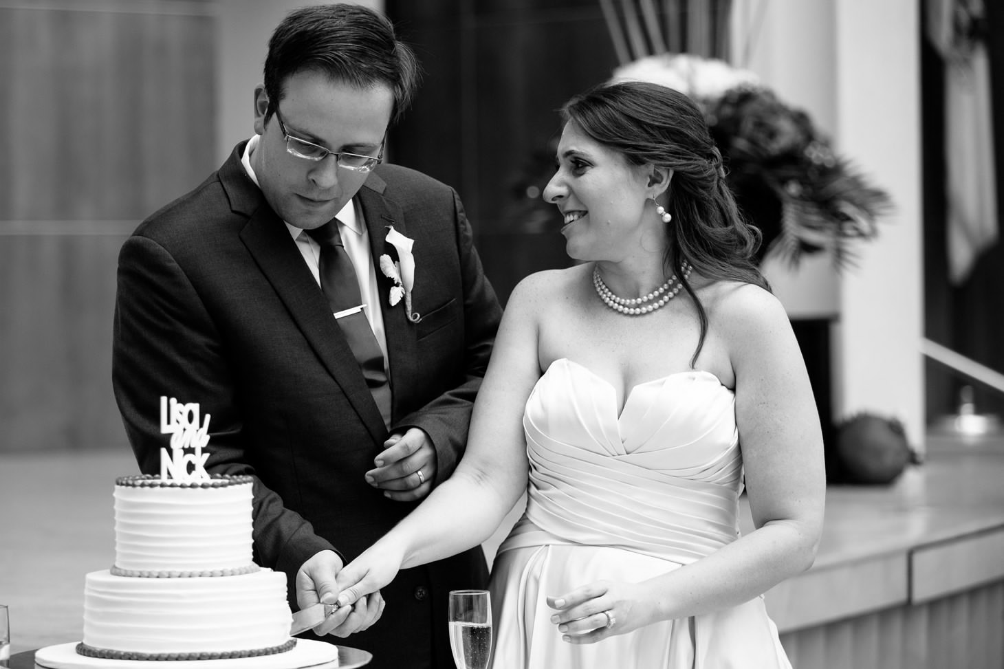 061-nyc-wedding-photographer-hoboken-waterfront-wedding-photos-smitten-chickens.jpg