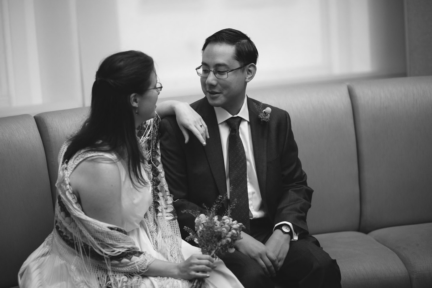 024-nyc-wedding-photographer-smitten-chickens-elope-nyc-city-hall-fall.jpg