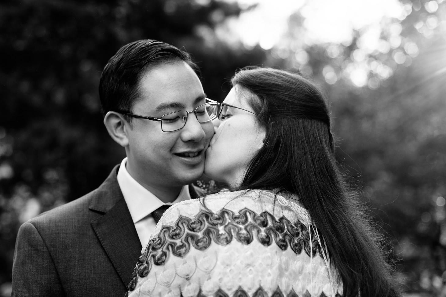 026-nyc-wedding-photographer-smitten-chickens-elope-nyc-city-hall-fall.jpg