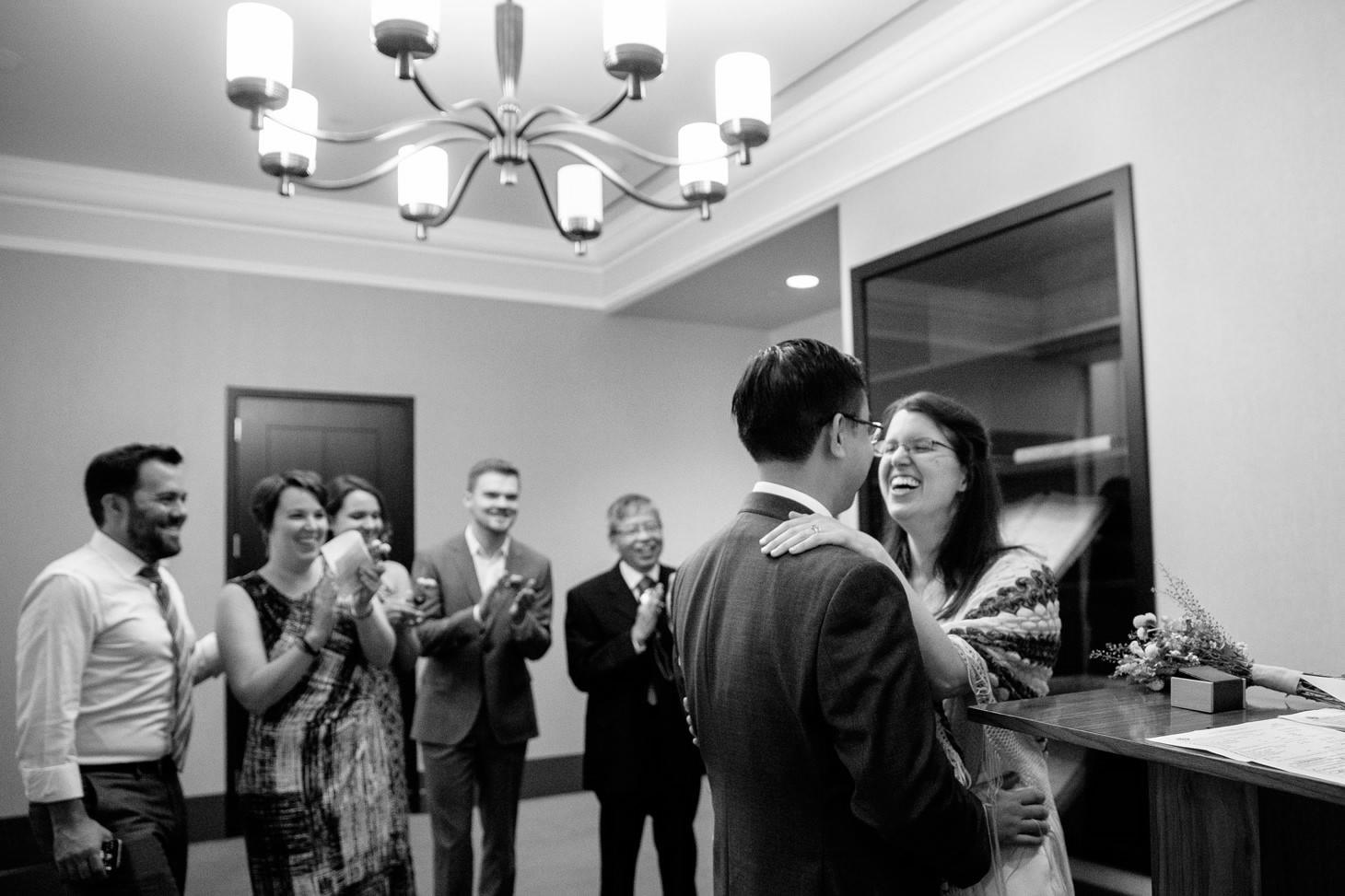 028-nyc-wedding-photographer-smitten-chickens-elope-nyc-city-hall-fall.jpg