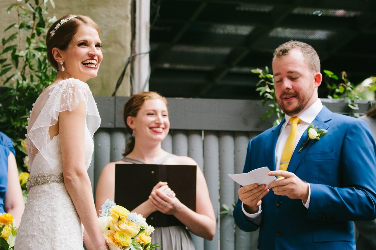 brooklyn-restaurant-wedding-nyc-weddingi-photographer-smitten-chickens03.jpg