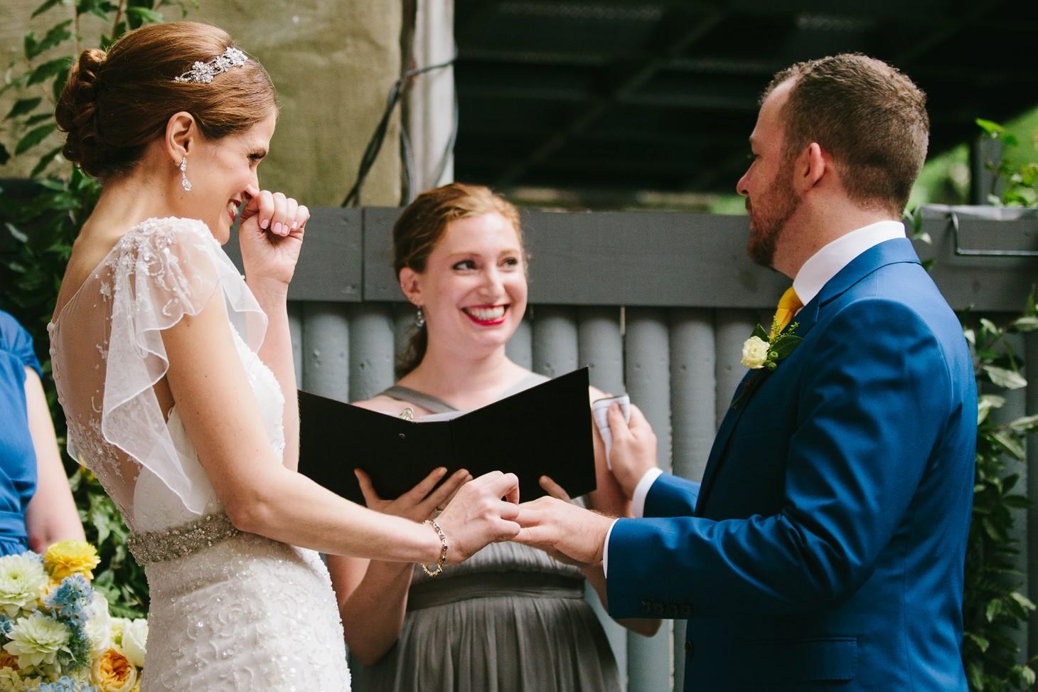 brooklyn-restaurant-wedding-nyc-weddingi-photographer-smitten-chickens07.jpg