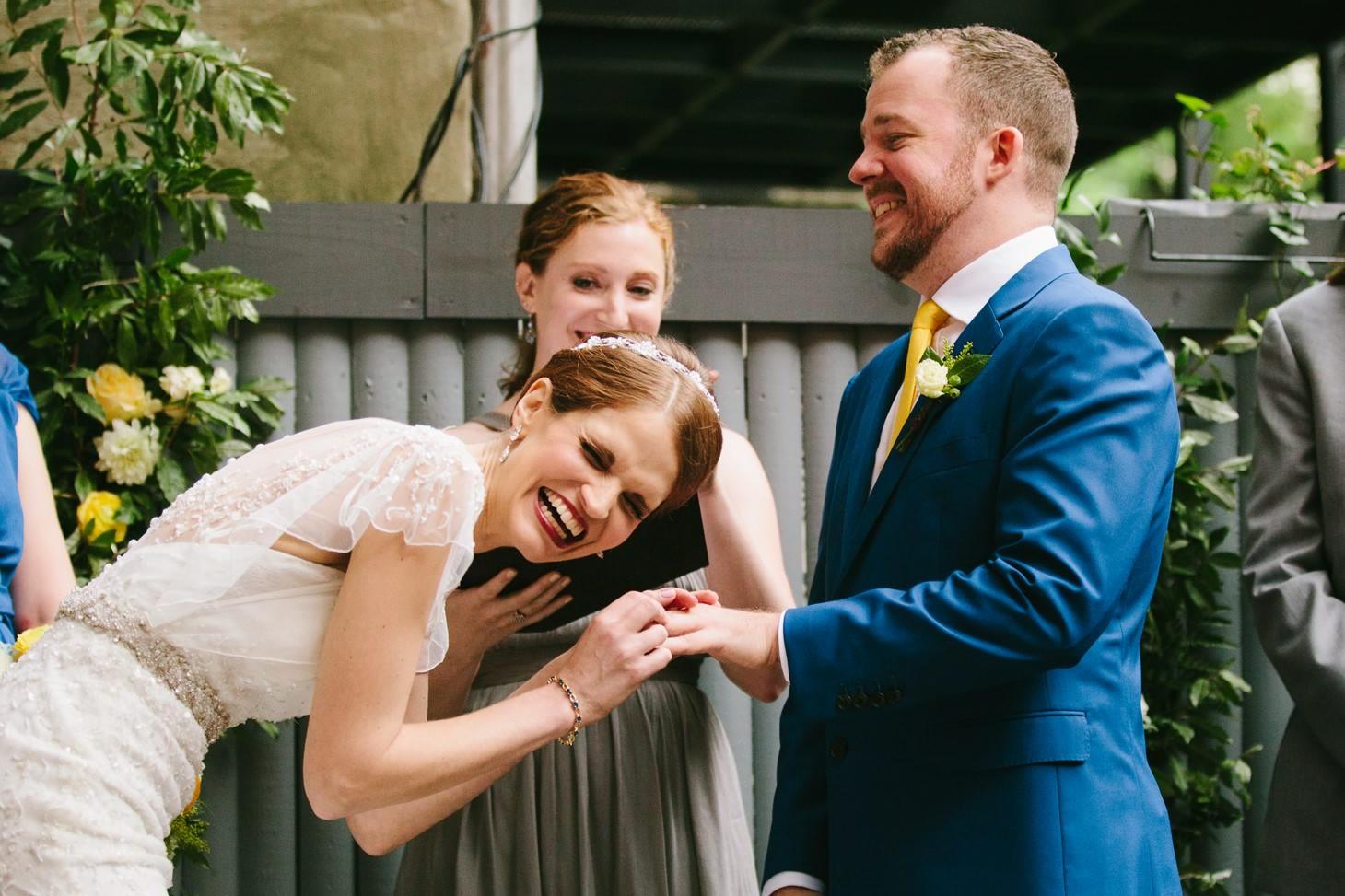 brooklyn-restaurant-wedding-nyc-weddingi-photographer-smitten-chickens08.jpg