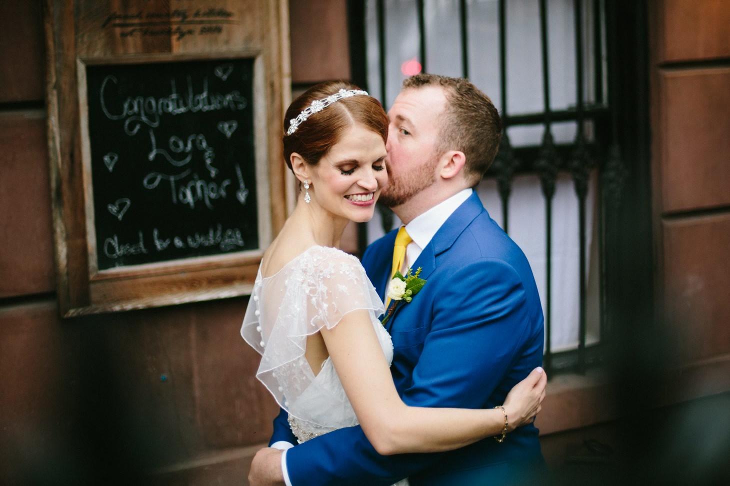 brooklyn-restaurant-wedding-nyc-weddingi-photographer-smitten-chickens23.jpg