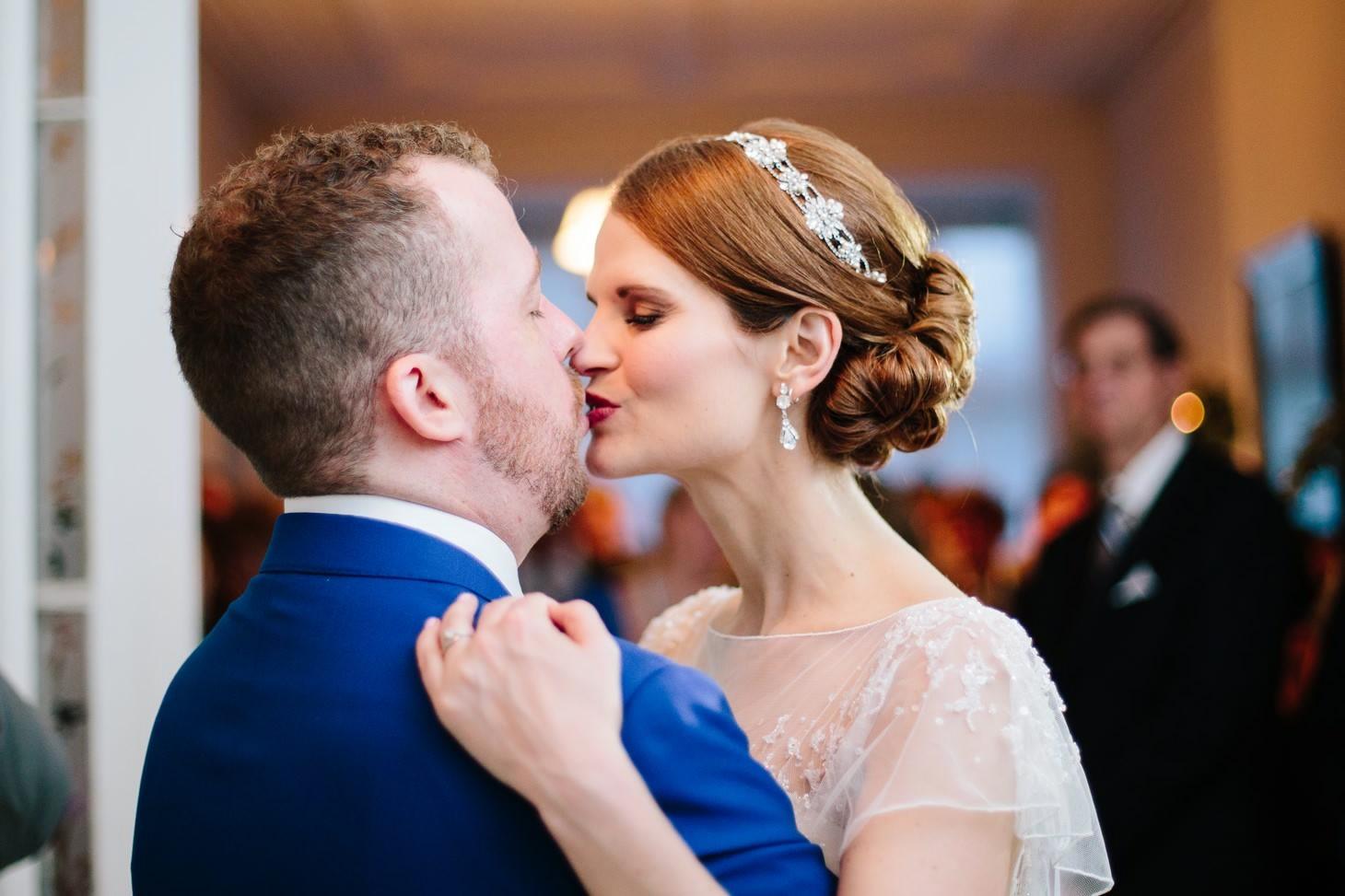 x-brooklyn-restaurant-wedding-nyc-weddingi-photographer-smitten-chickens169.jpg