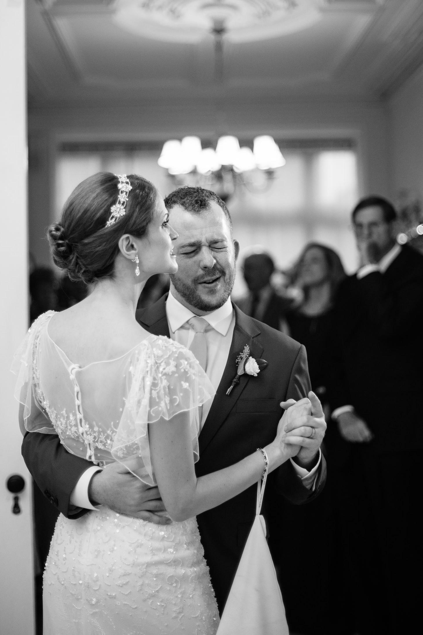 x-brooklyn-restaurant-wedding-nyc-weddingi-photographer-smitten-chickens168.jpg