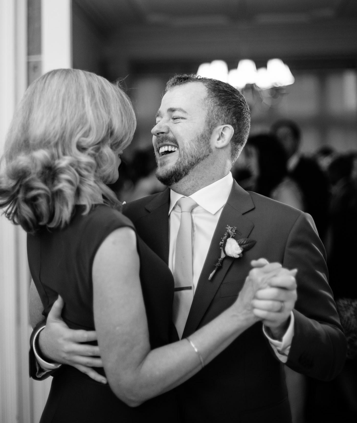 x-brooklyn-restaurant-wedding-nyc-weddingi-photographer-smitten-chickens174.jpg