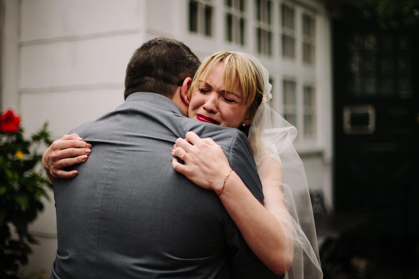 nyc-wedding-photographer-brooklyn-bridge-smitten-chickens-rainy-emotional-wedding-003.jpg