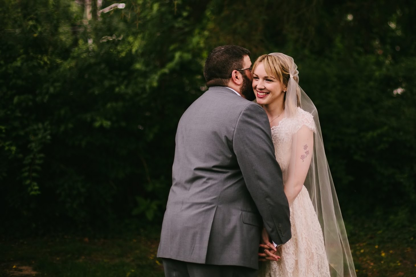 nyc-wedding-photographer-brooklyn-bridge-smitten-chickens-rainy-emotional-wedding-004.jpg