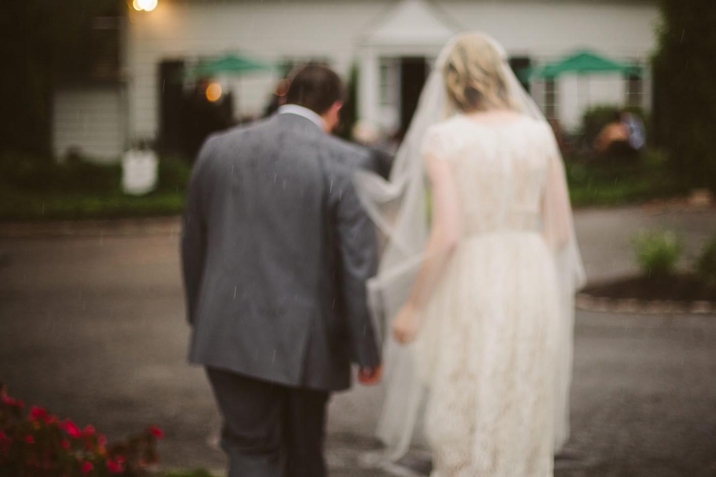 nyc-wedding-photographer-brooklyn-bridge-smitten-chickens-rainy-emotional-wedding-006.jpg