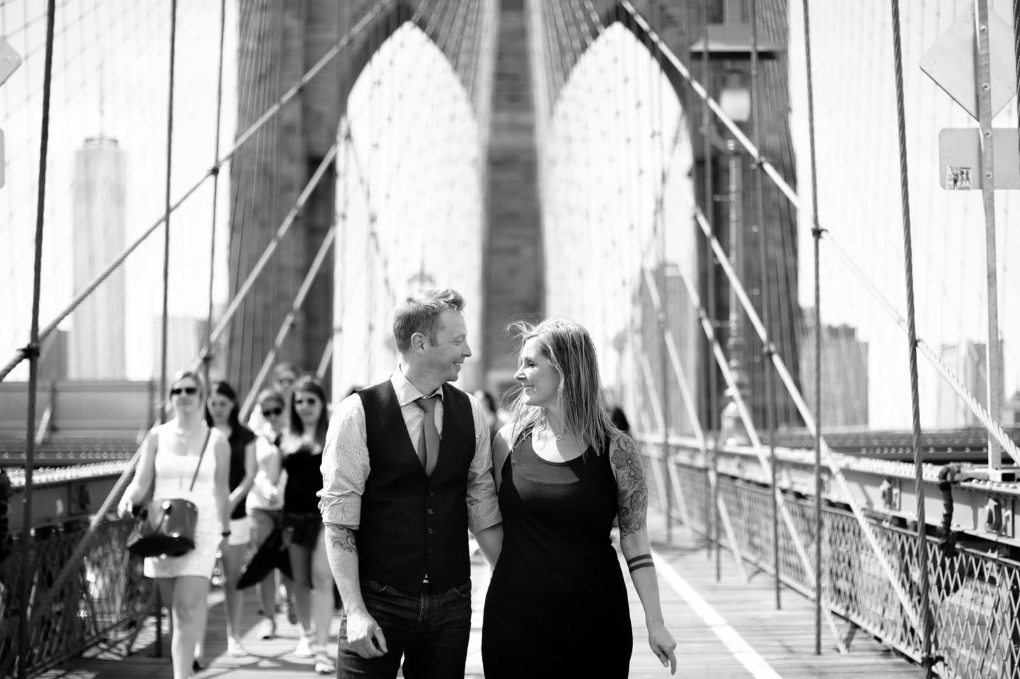 nyc-wedding-photographer-brooklyn-bridge-smitten-chickens-engagement-brooklyn-bridge-001.jpg