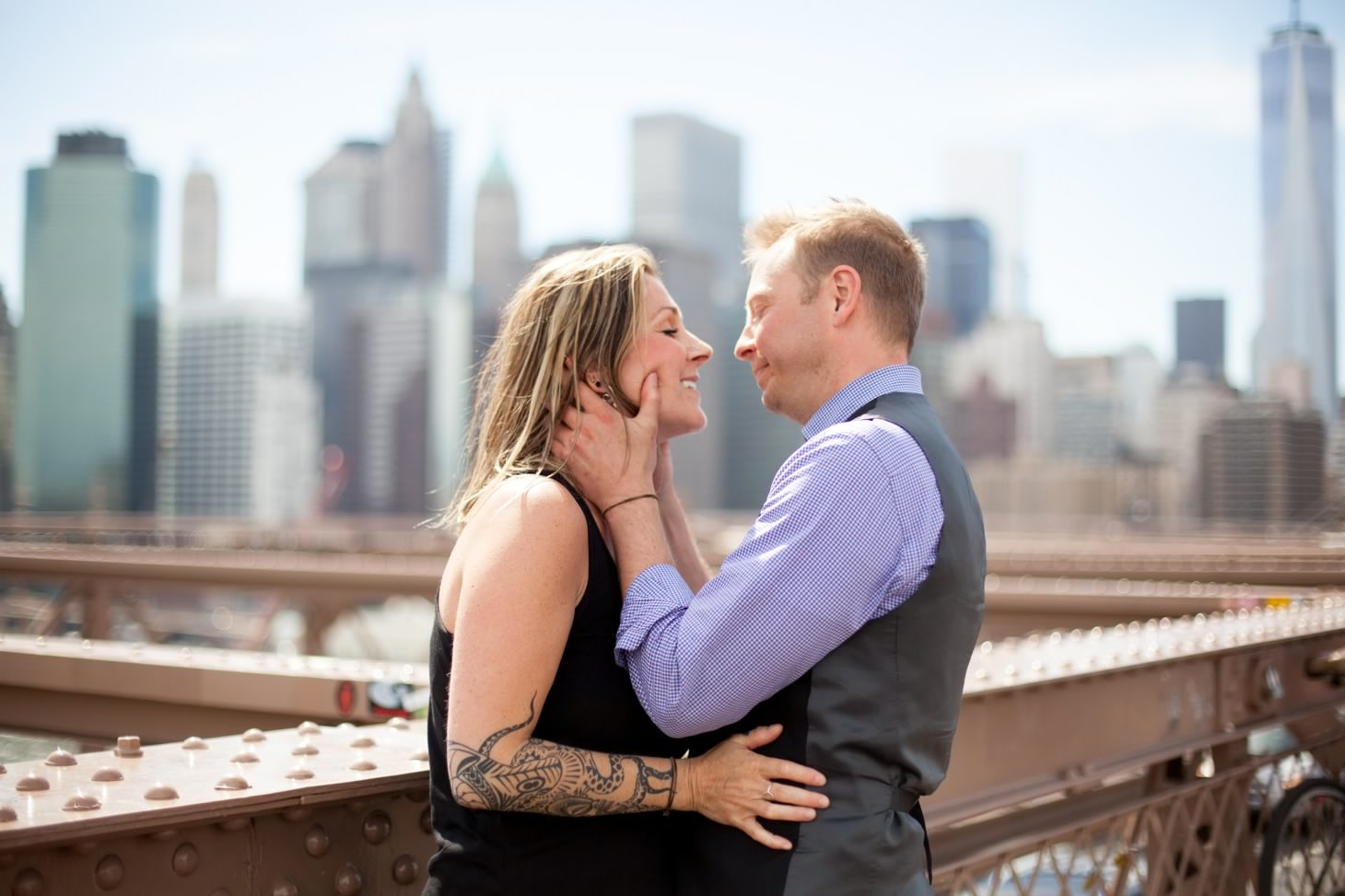 nyc-wedding-photographer-brooklyn-bridge-smitten-chickens-engagement-brooklyn-bridge-005.jpg