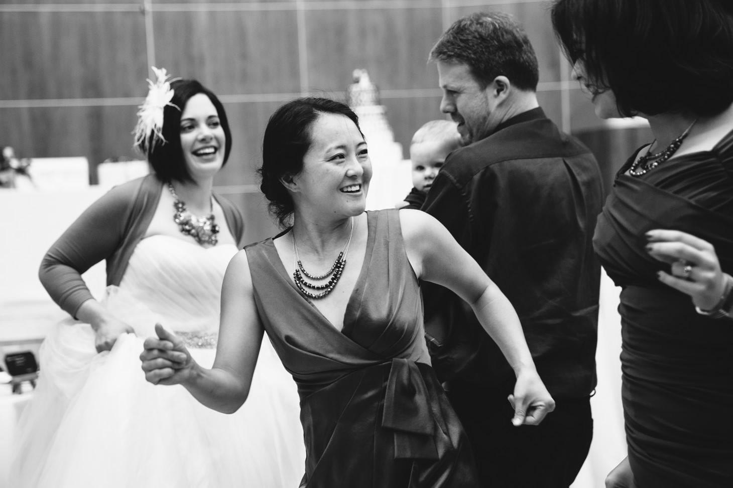 059-nyc-wedding-photographer-smitten-chickens-nj-montclair-art-museum.jpg