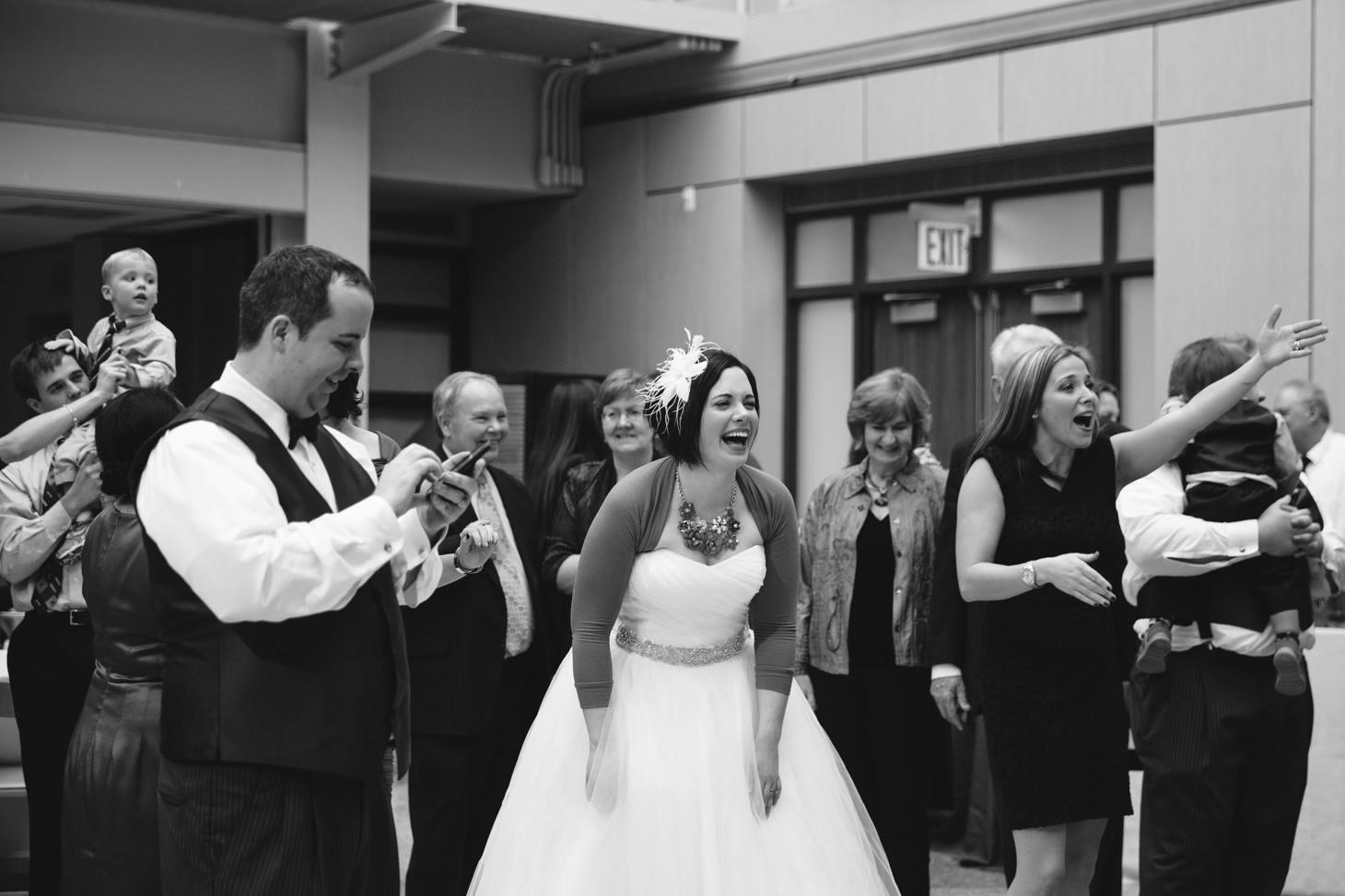 067-nyc-wedding-photographer-smitten-chickens-nj-montclair-art-museum.jpg