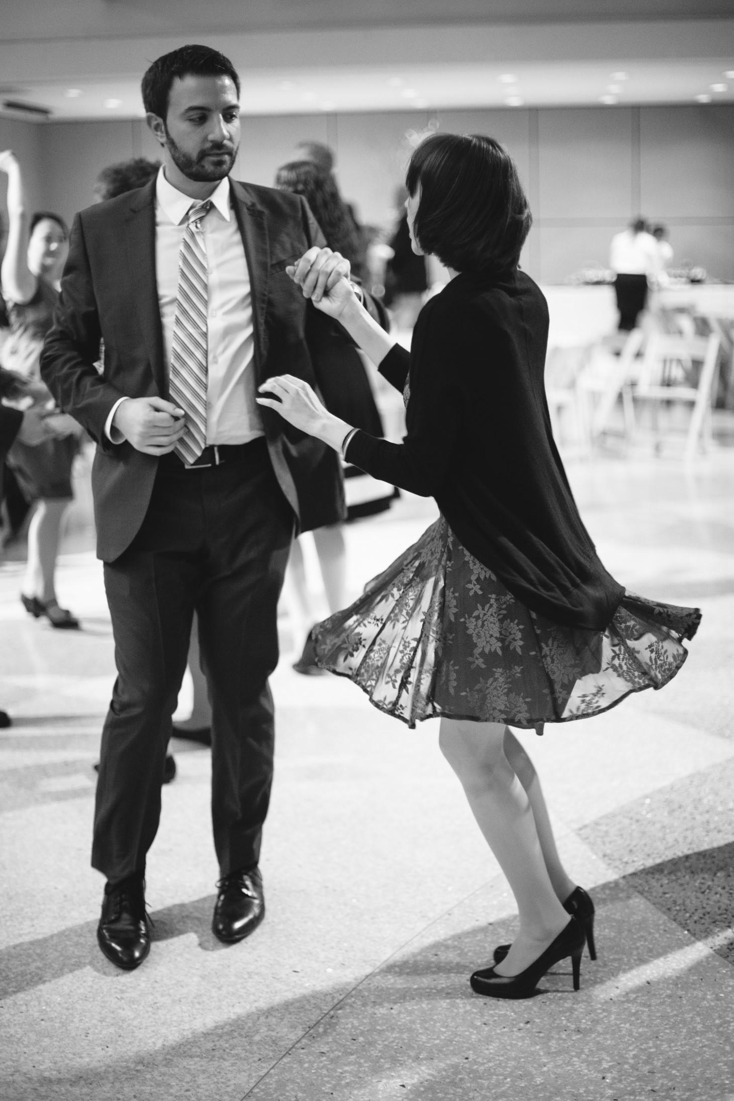 081-nyc-wedding-photographer-smitten-chickens-nj-montclair-art-museum.jpg