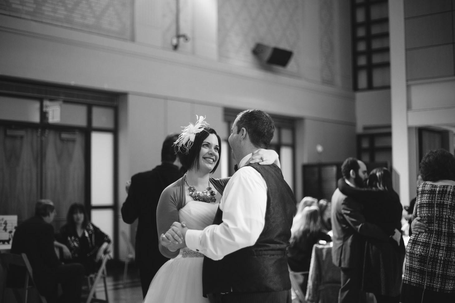 082-nyc-wedding-photographer-smitten-chickens-nj-montclair-art-museum.jpg
