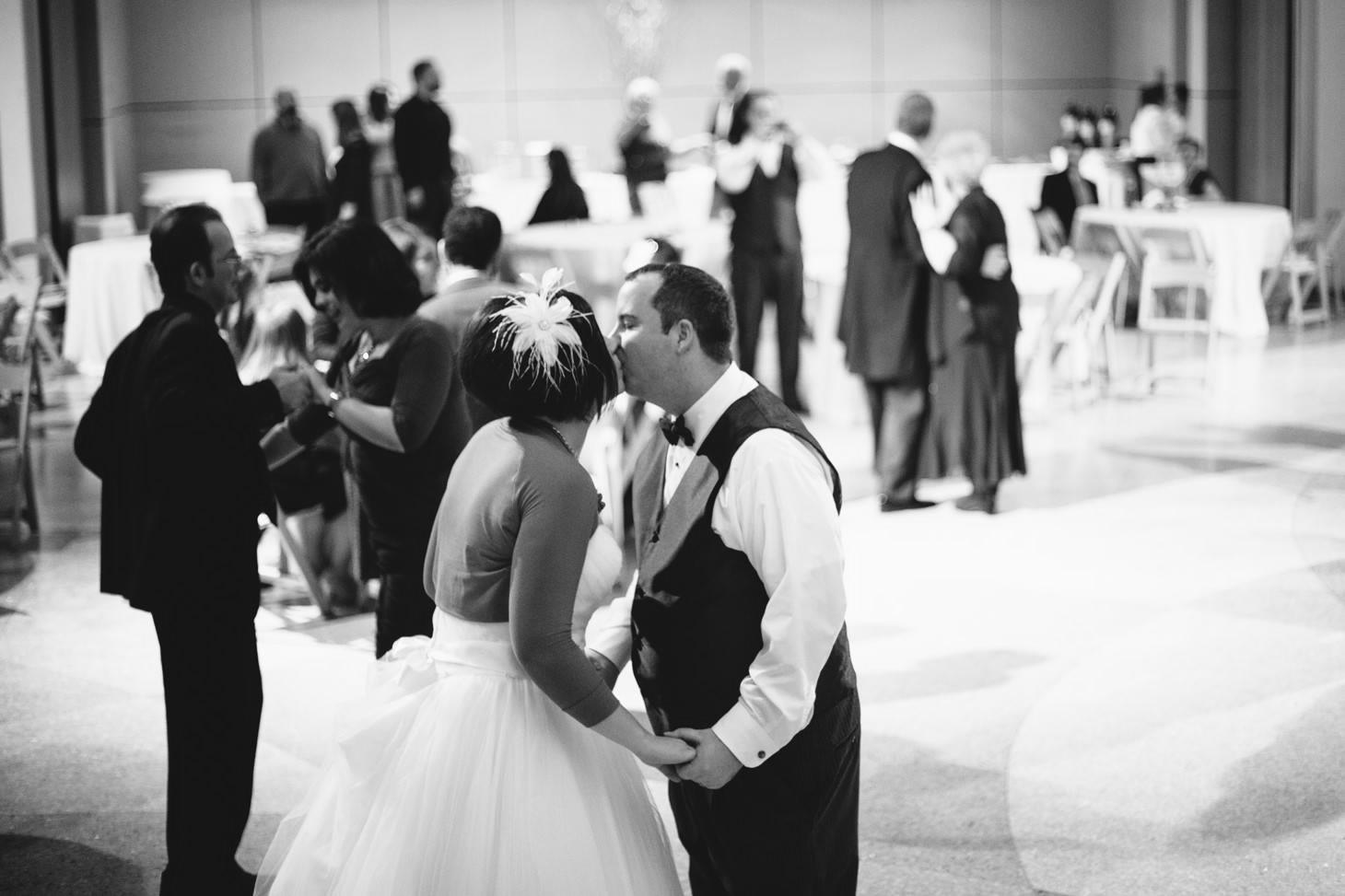 083-nyc-wedding-photographer-smitten-chickens-nj-montclair-art-museum.jpg