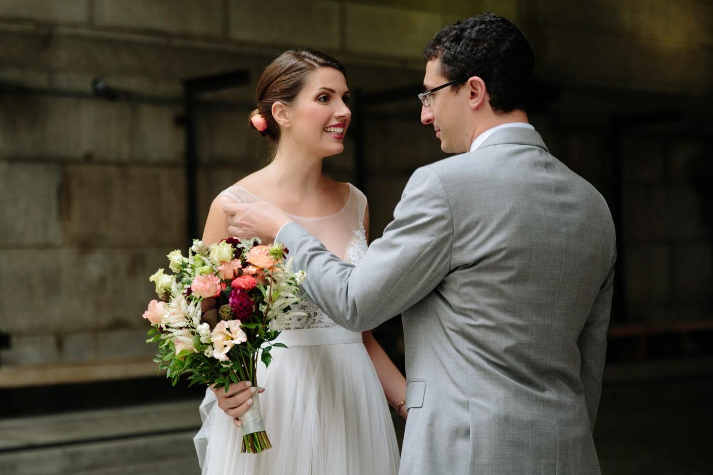 003-nyc-dumbo-loft-brooklyn-wedding-photographer-smitten-chickens-photo-.jpg