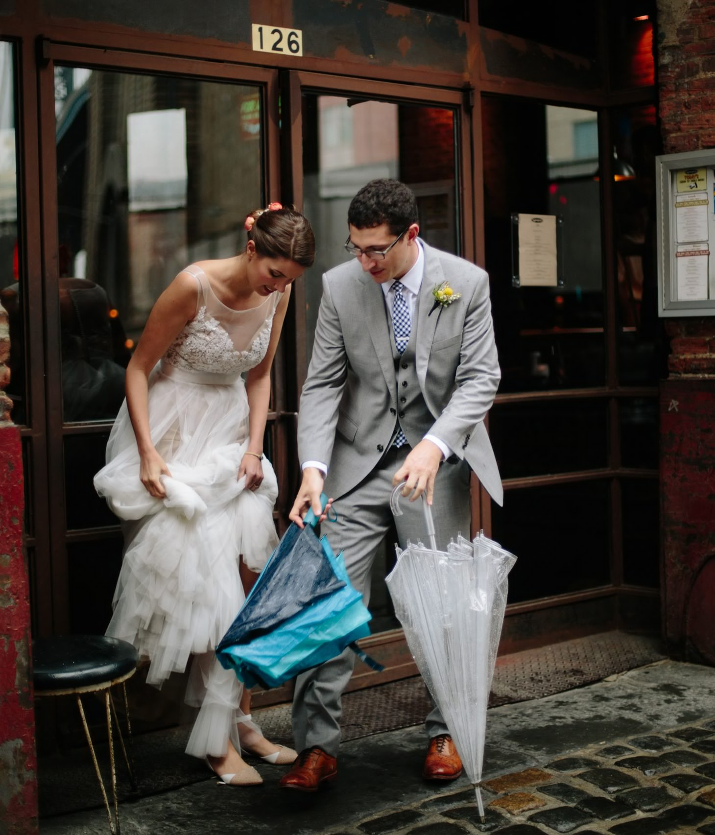 009-nyc-dumbo-loft-brooklyn-wedding-photographer-smitten-chickens-photo-.jpg