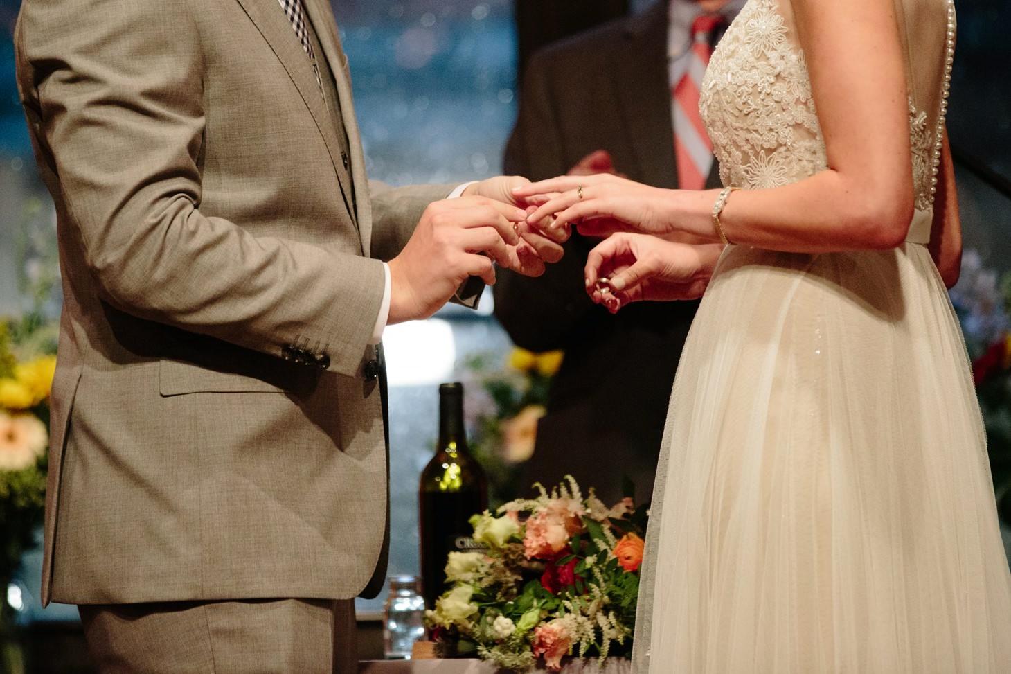 027-nyc-dumbo-loft-brooklyn-wedding-photographer-smitten-chickens-photo-.jpg