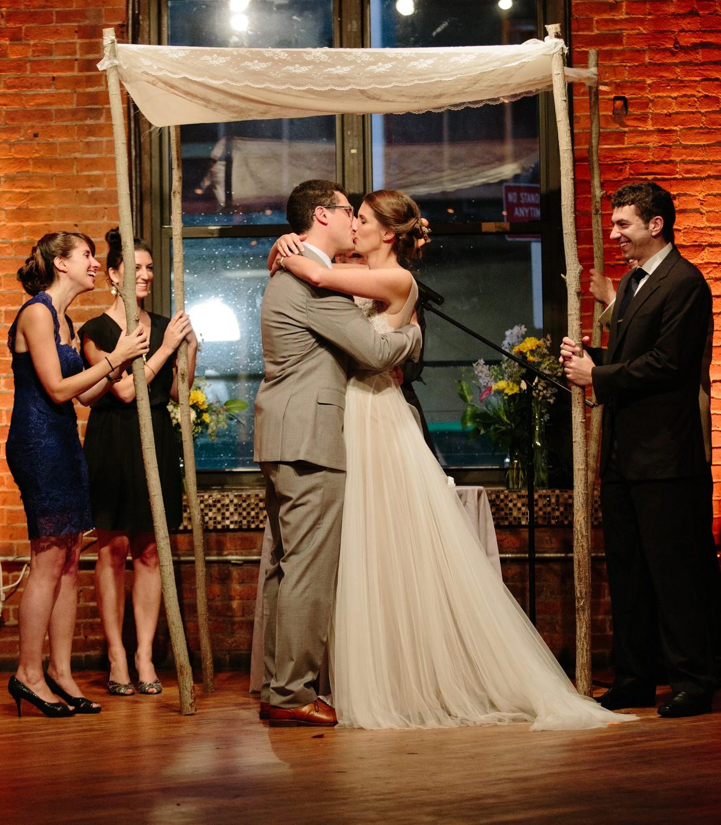 030-nyc-dumbo-loft-brooklyn-wedding-photographer-smitten-chickens-photo-.jpg