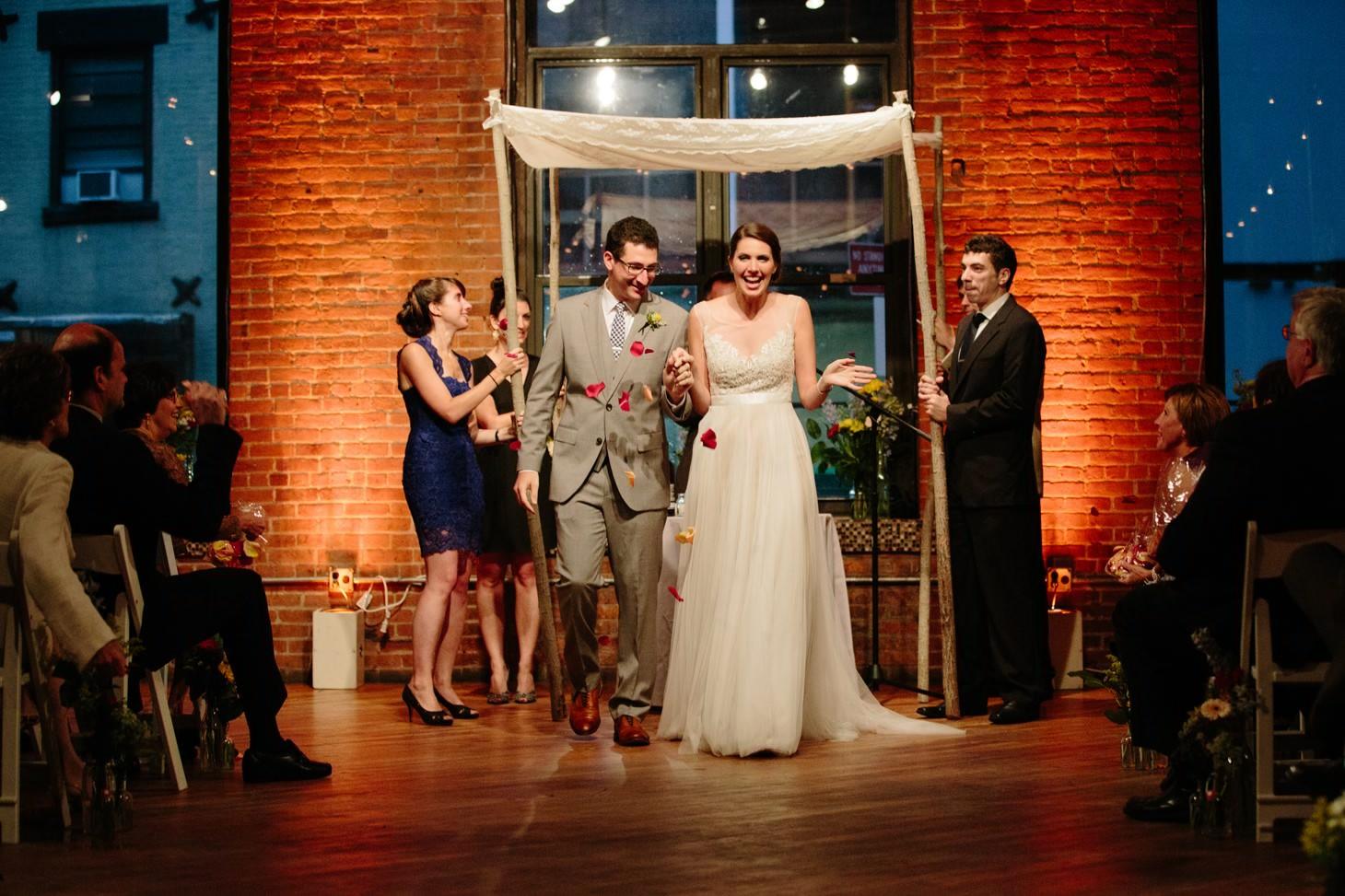 031-nyc-dumbo-loft-brooklyn-wedding-photographer-smitten-chickens-photo-.jpg