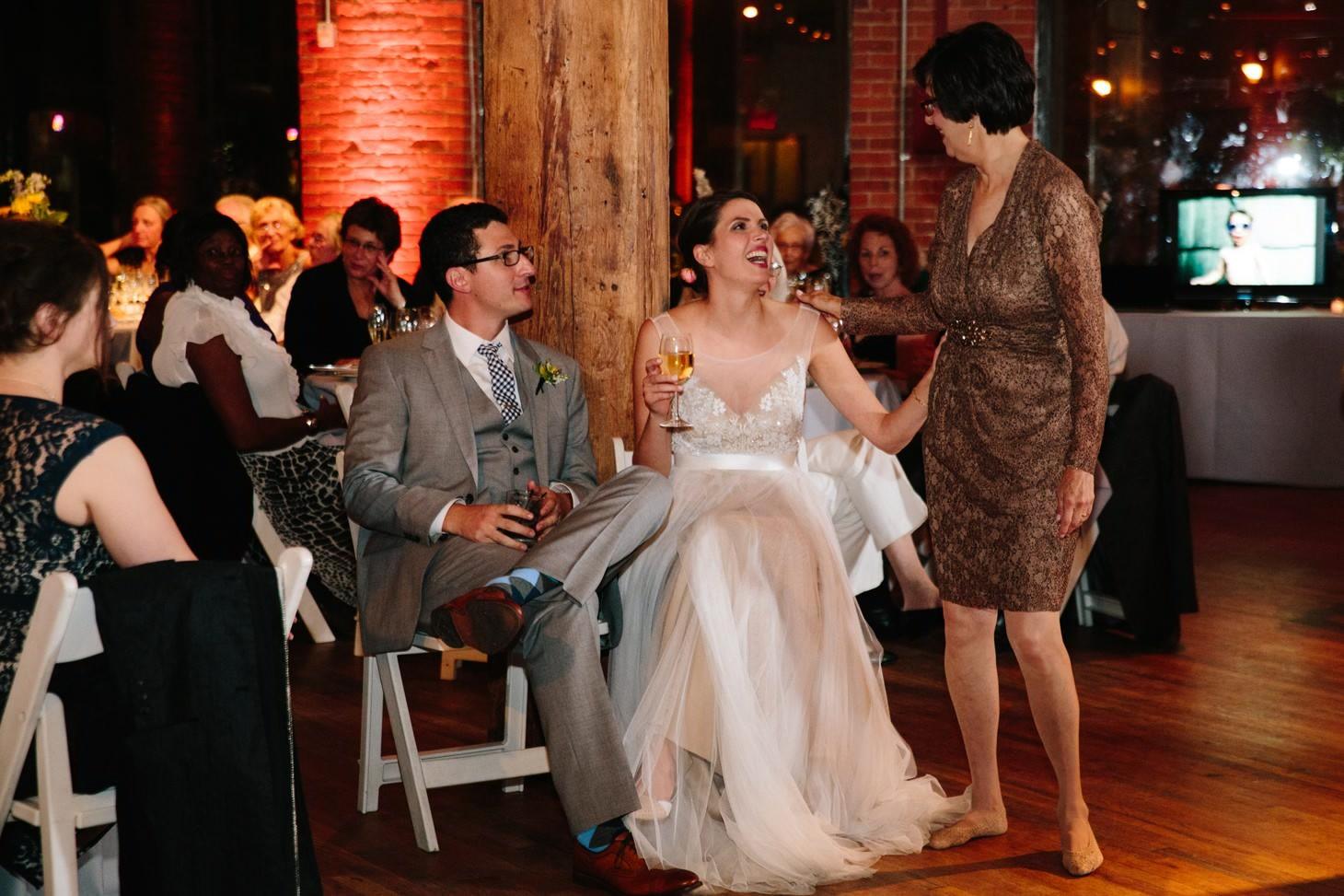 039-nyc-dumbo-loft-brooklyn-wedding-photographer-smitten-chickens-photo-.jpg
