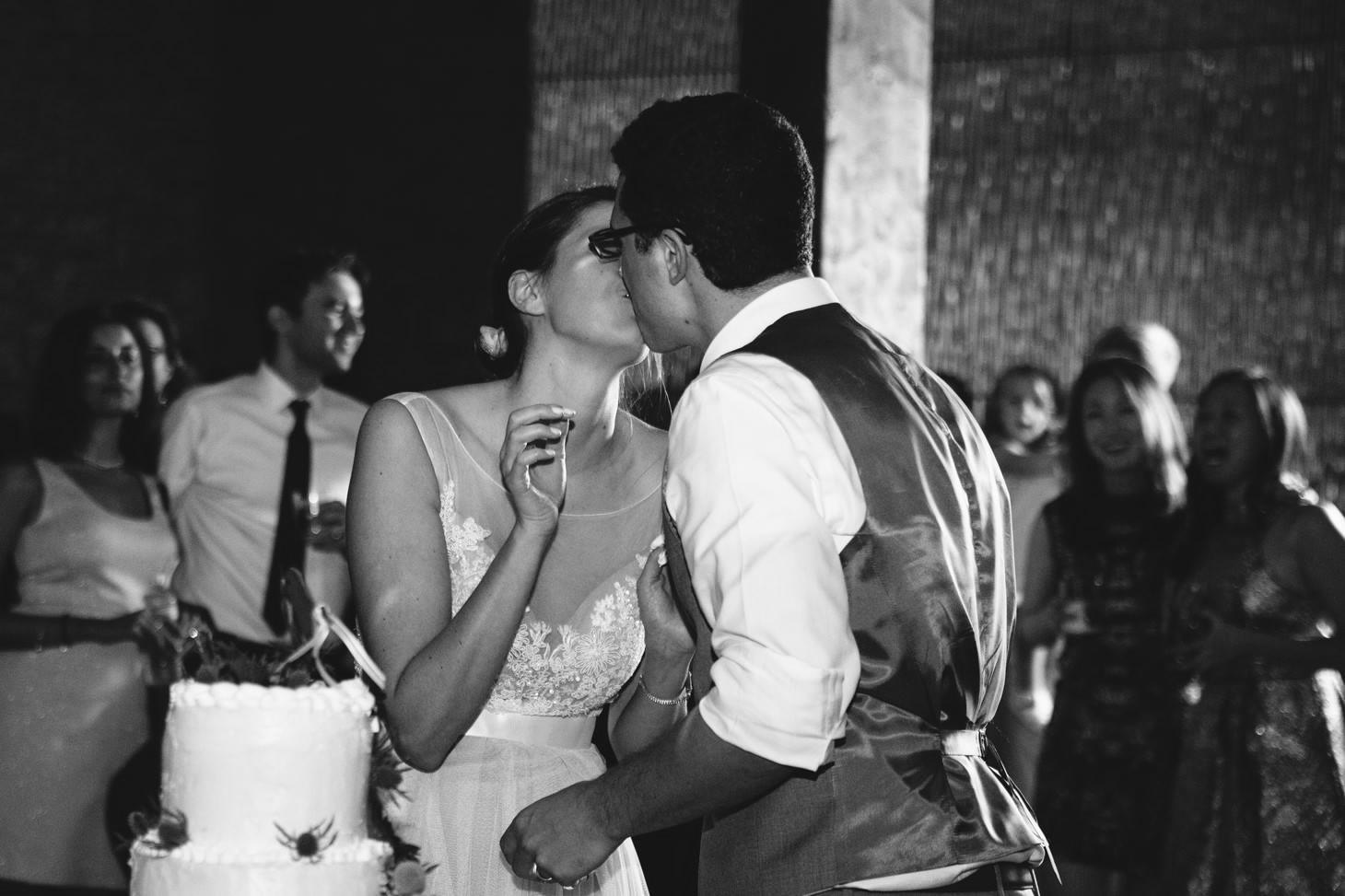047-nyc-dumbo-loft-brooklyn-wedding-photographer-smitten-chickens-photo-.jpg