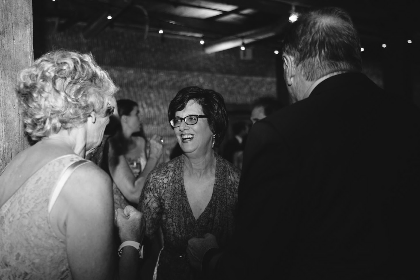049-nyc-dumbo-loft-brooklyn-wedding-photographer-smitten-chickens-photo-.jpg