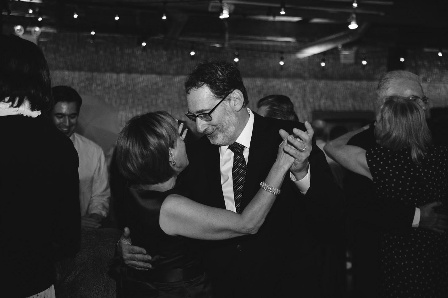 050-nyc-dumbo-loft-brooklyn-wedding-photographer-smitten-chickens-photo-.jpg