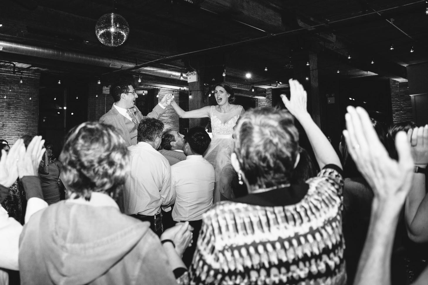 054-nyc-dumbo-loft-brooklyn-wedding-photographer-smitten-chickens-photo-.jpg